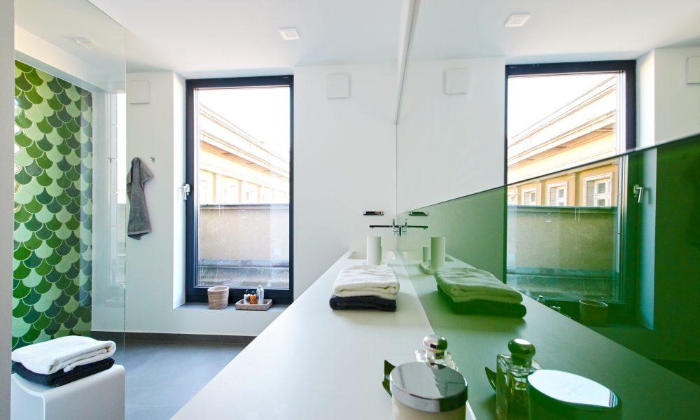 Modernes Badezimmer im Penthouse
